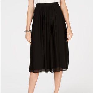 Anne Klein Pleated Midi Skirt. Black size 6 NWT